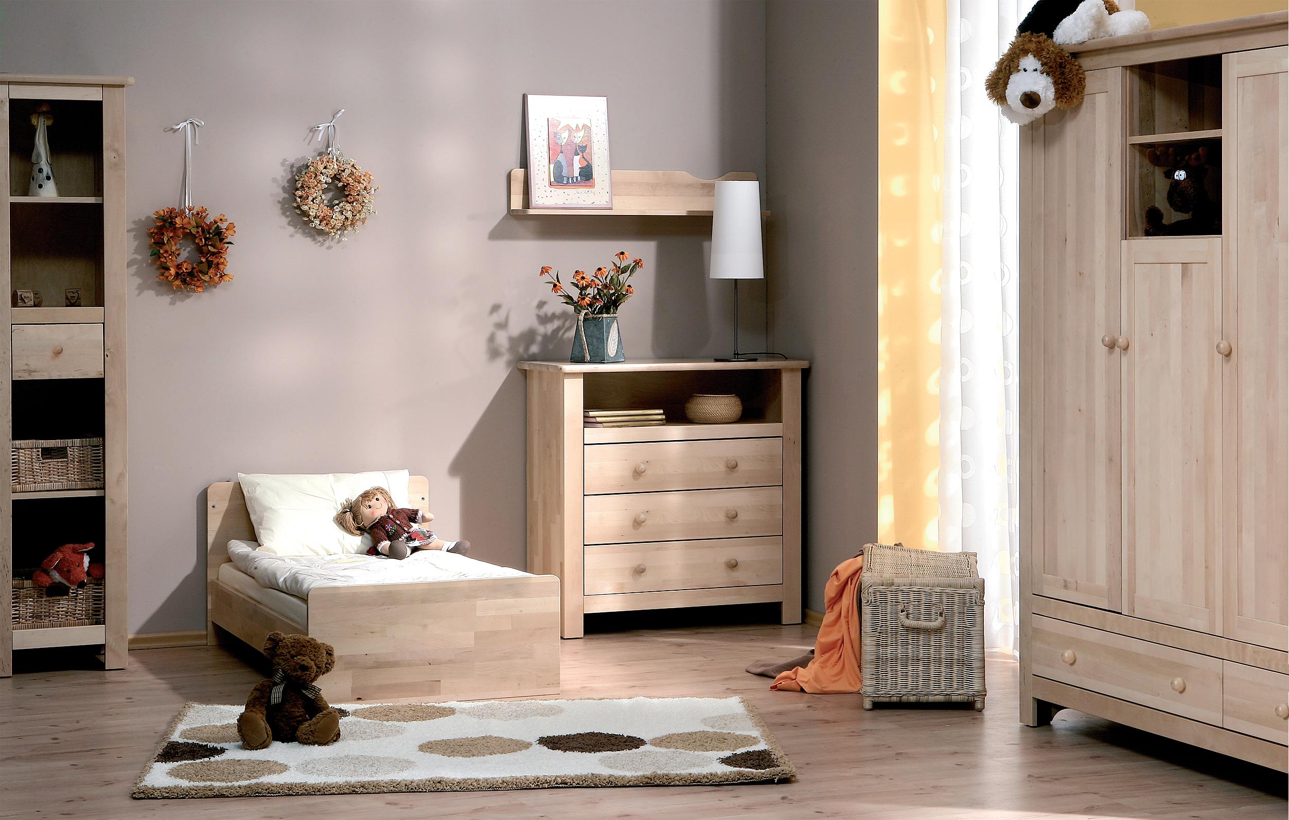 petite chambre fille. Black Bedroom Furniture Sets. Home Design Ideas